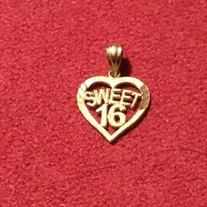 Lovely 10k gold Sweet Sixteen pendant